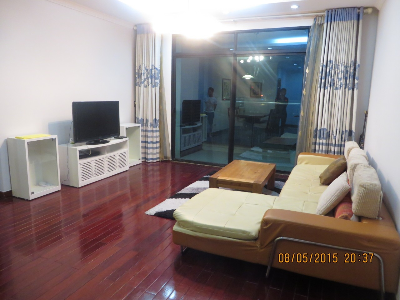 02 bedrooms apartment for rent in Vincom, 114 Mai Hac De street