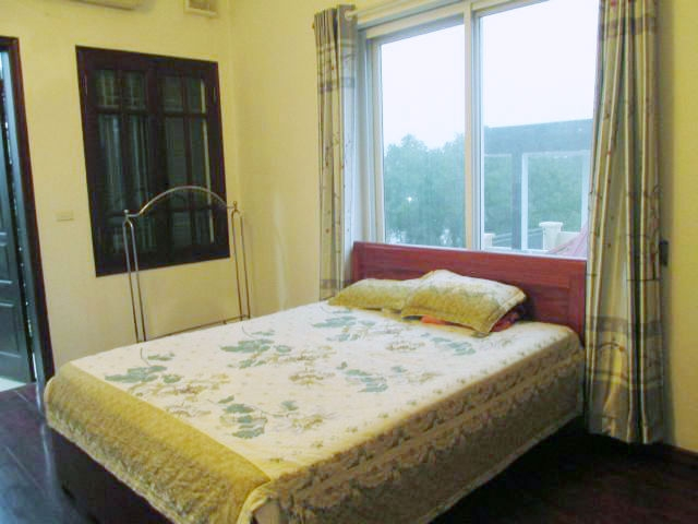 Bright serviced apartment for lease in Van Ho 2 street