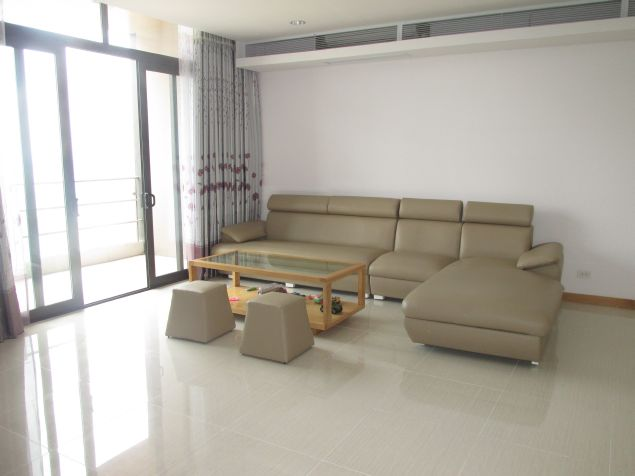 Cosy 04 bedrooms apartment for rent in Dolphin Plaza, Hanoi.