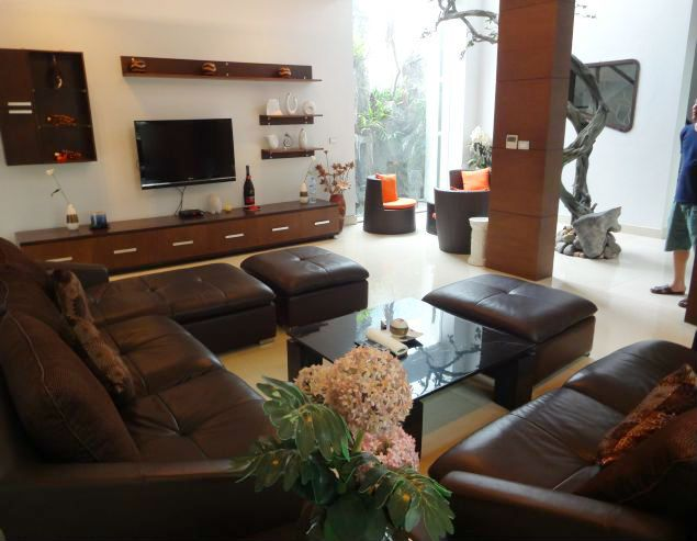 Luxurious 3 storey villa for rent in Peach Garden, Lac Long Quan, Tay Ho, Hanoi