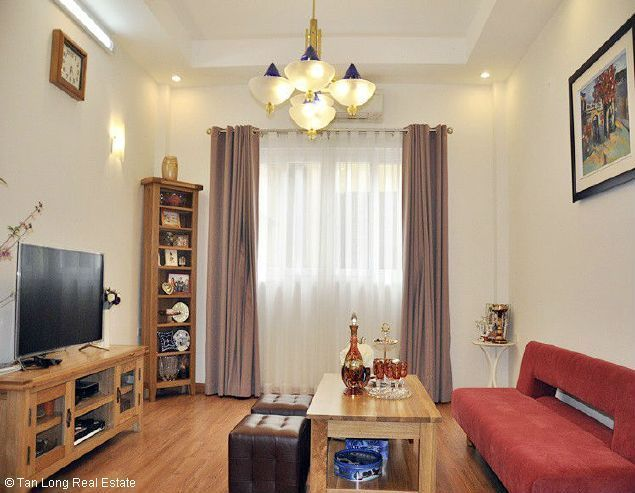 New and nice full furnished 3 bedroom house in Dang Thai Mai street, Tay Ho district, Hanoi