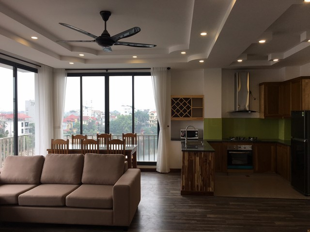 Nice 3 bedroom apartment with lake view for rent in a new building in Au Co, Tay Ho district