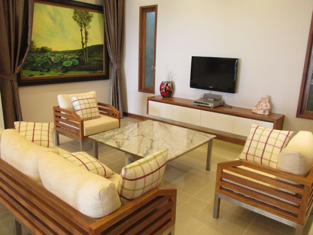 Nice furnished 3 bedroom apartment for rent in Peach Garden, Tay Ho district, Hanoi.