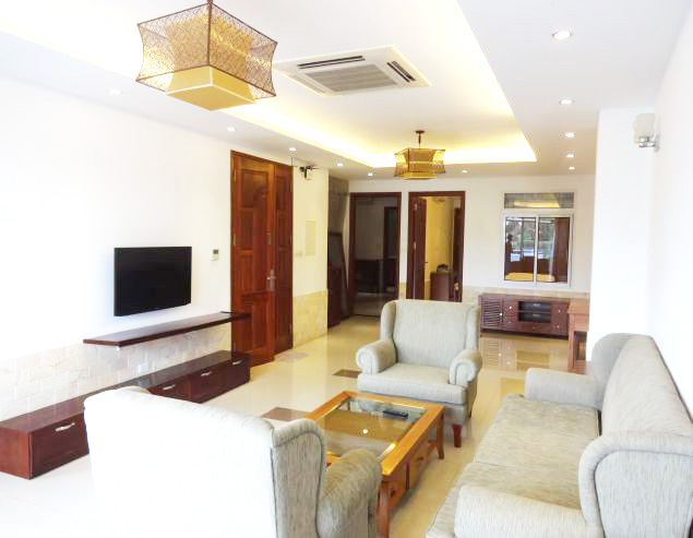 Nice serviced apartment for rent in Xuan Dieu street, Tay Ho district, Hanoi.