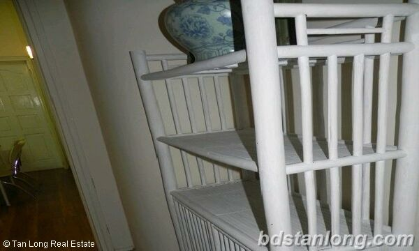 02 bedrooms apartment in Thuy Khue, Tay Ho for rent. 2