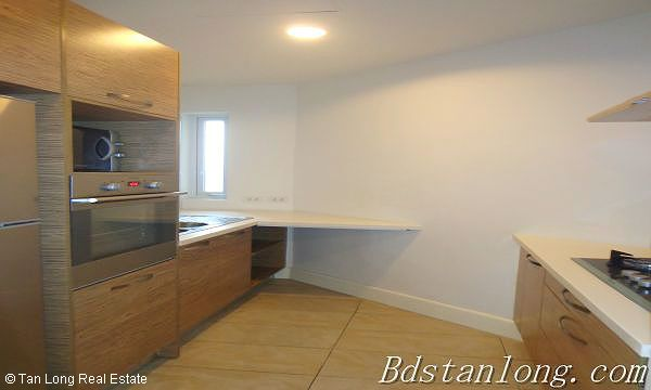 03 bedrooms apartment for lease in Golden Westlake 3