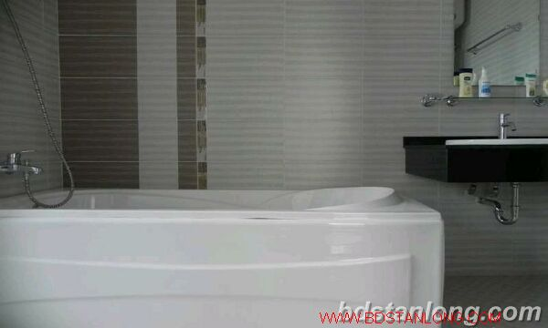 03 bedrooms apartment for rent in Lac Long Quan, Tay Ho, Ha Noi. 6