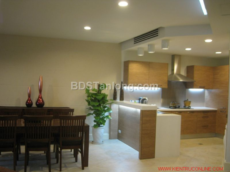 03 bedrooms apartment in Hoang Hoa Tham street for rent. 1
