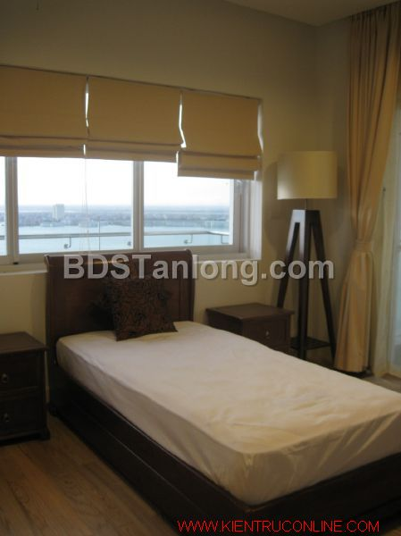 03 bedrooms apartment in Hoang Hoa Tham street for rent. 5