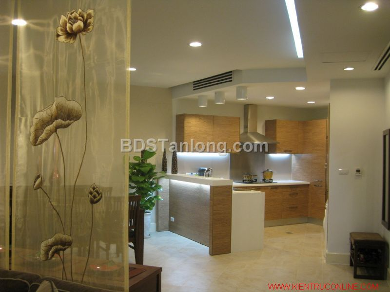 03 bedrooms apartment in Hoang Hoa Tham street for rent. 7