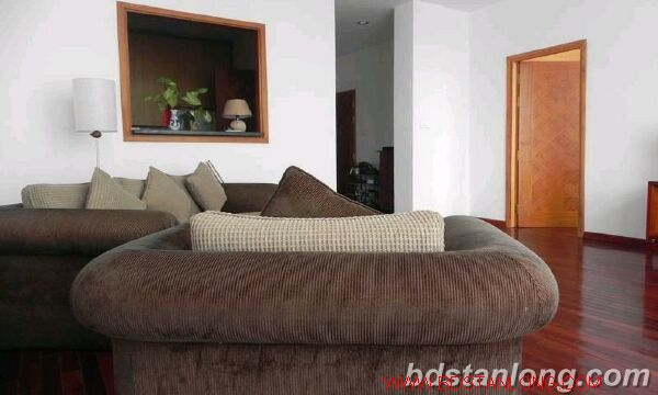03 bedrooms apartment in Yen Phu road, Tay Ho for rent 1