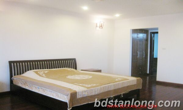 03 bedrooms house for rent in Tay Ho 6