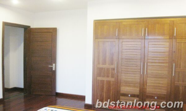 03 bedrooms house for rent in Tay Ho 9