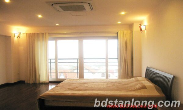 03 bedrooms house for rent in Tay Ho 1