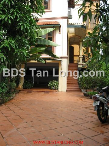 04 bedrooms villa is position on 4th floor in Xuan Dieu street, Tay Ho dist for rent 1