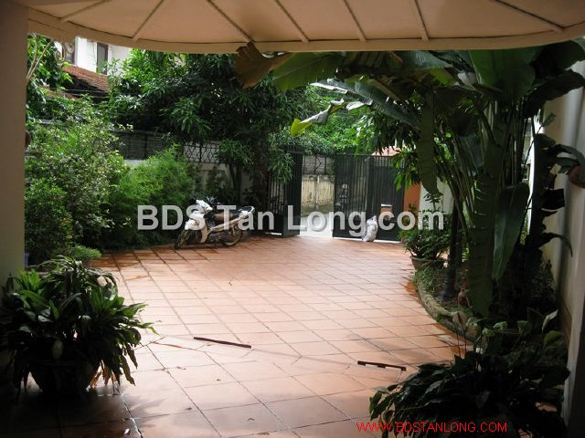 04 bedrooms villa is position on 4th floor in Xuan Dieu street, Tay Ho dist for rent 2