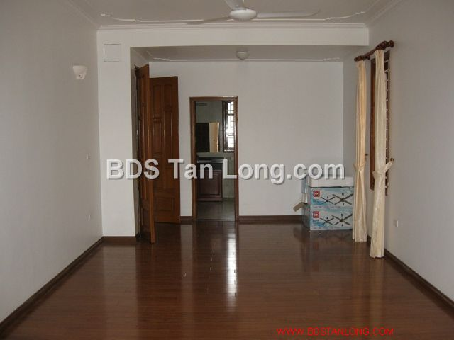 04 bedrooms villa is position on 4th floor in Xuan Dieu street, Tay Ho dist for rent 5