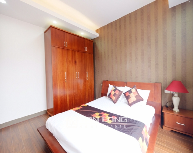 1 bedroom serviced apartment for rent on Dao Tan street 7