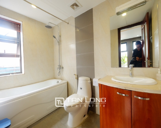 1 bedroom serviced apartment for rent on Dao Tan street 8