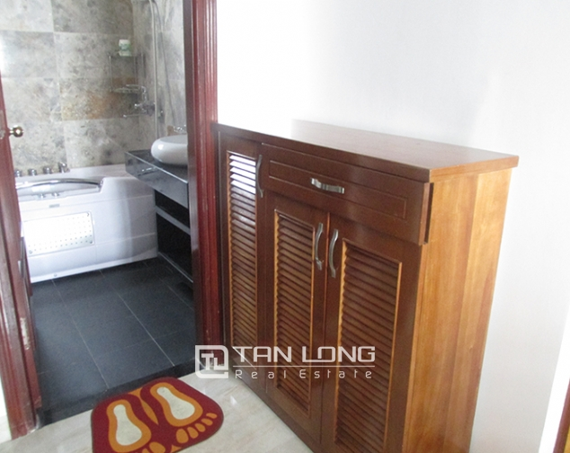 1 bedroom serviced apartment rental in Lang Ha, cozy space, nice furniture 6