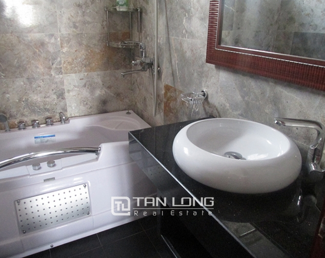 1 bedroom serviced apartment rental in Lang Ha, cozy space, nice furniture 7