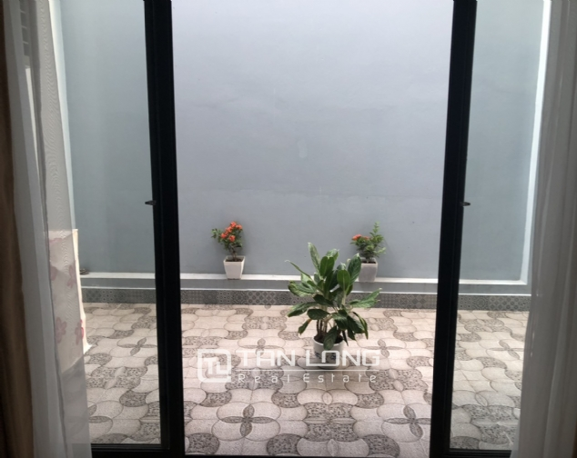 2 bedroom apartment for lease in Au Co street, Tay Ho district! 2