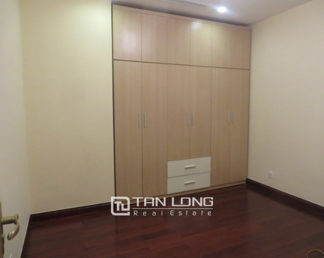 2 bedroom apartment for lease in R4 Royal City, Thanh Xuan, Hanoi 5