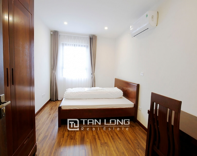 2 bedroom apartment for rent in Lac Hong Building, Tay Ho street 7