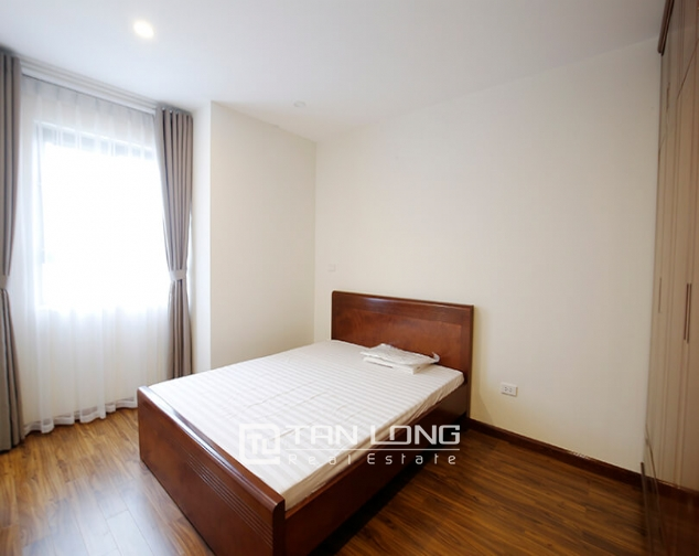 2 bedroom apartment for rent in Lac Hong Building, Tay Ho street 8