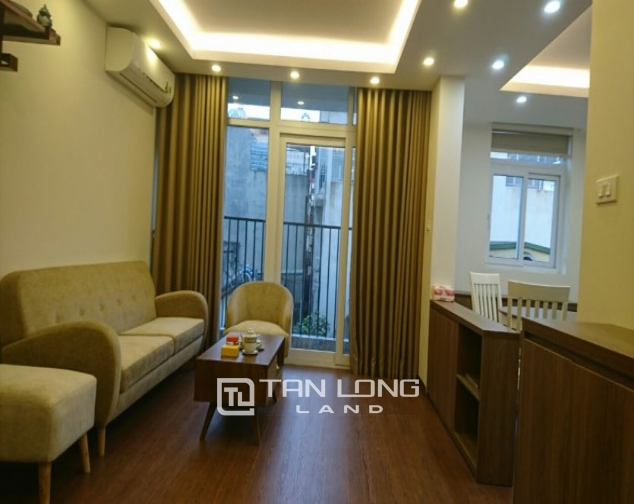 2 bedroom apartment for rent in Lane 3, Van Cao street, Ba Dinh 1
