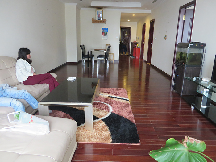 2 bedroom apartment for rent in R1 Vinhomes Royal City, airy and bright