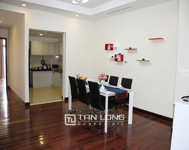 2 bedroom apartment for rent in R5 Vinhomes Royal City, nice decoration 2