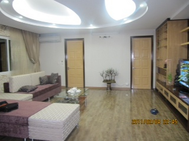 2 bedroom apartment for sale in E1 Ciputra Tay Ho, full of furniture