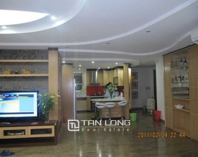 2 bedroom apartment for sale in E1 Ciputra Tay Ho, full of furniture 4