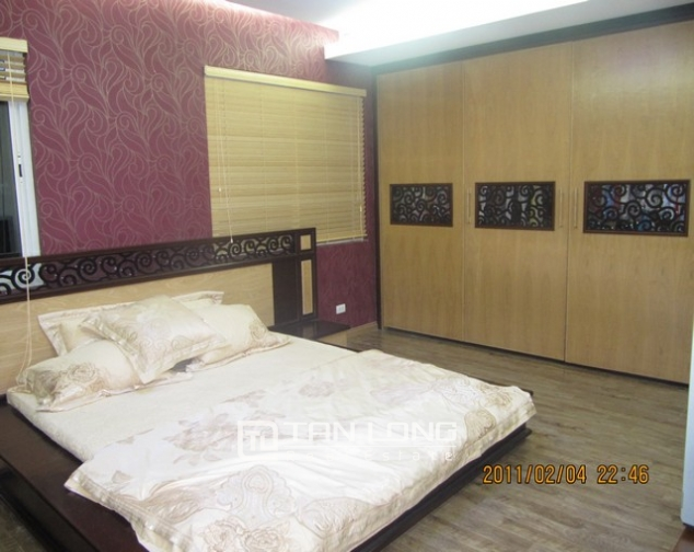 2 bedroom apartment for sale in E1 Ciputra Tay Ho, full of furniture 6