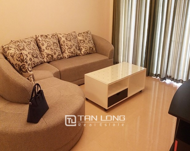 2 bedroom apartment with basic furniture for rent in R5 Vinhomes Royal City 2