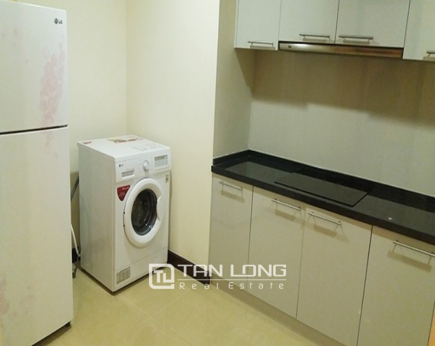 2 bedroom apartment with basic furniture for rent in R5 Vinhomes Royal City 6