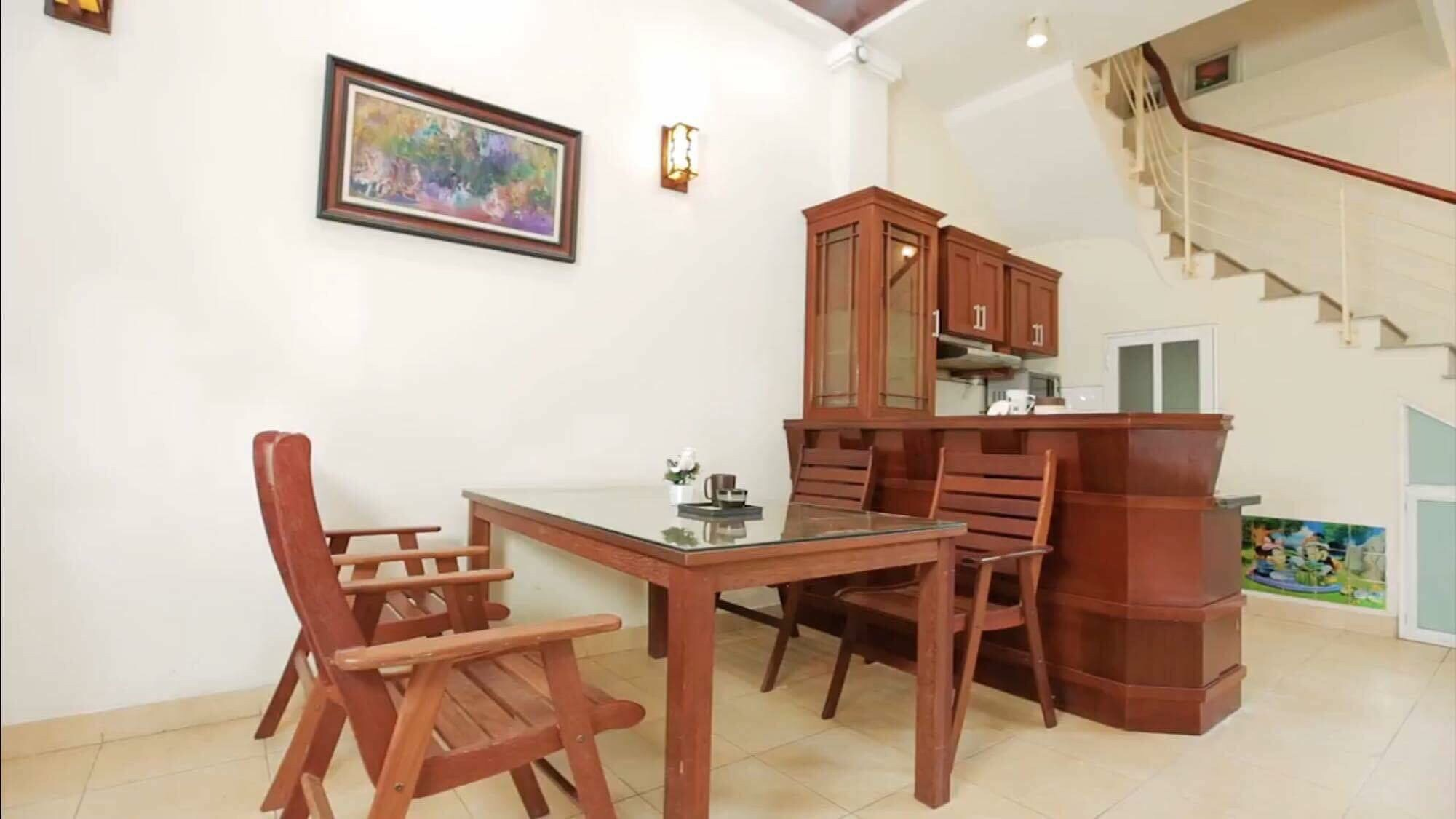 2 bedroom house for rent in Nghi Tam street, Tay Ho