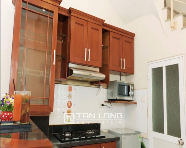 2 bedroom house for rent in Nghi Tam street, Tay Ho 2