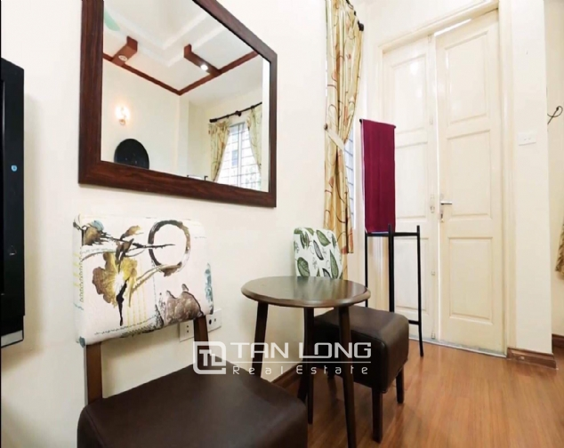 2 bedroom house for rent in Nghi Tam street, Tay Ho 4