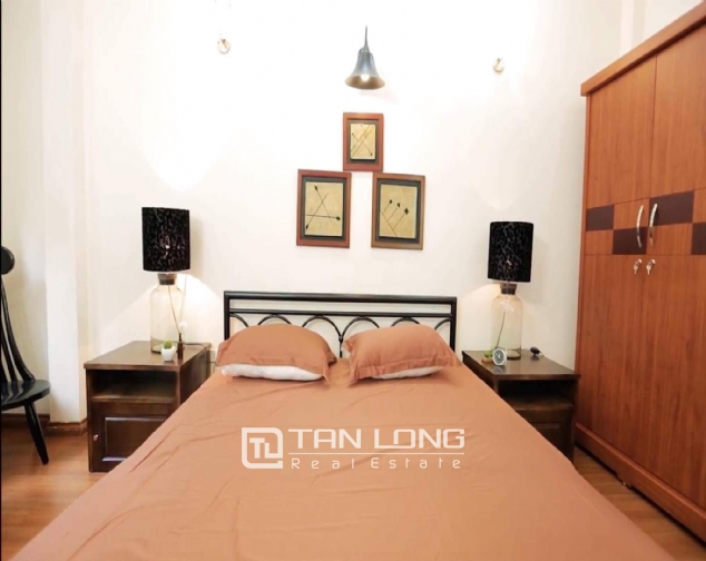 2 bedroom house for rent in Nghi Tam street, Tay Ho 6