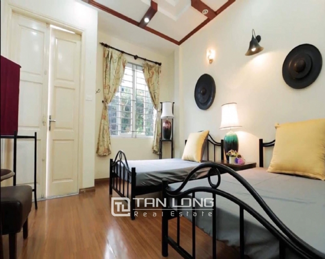2 bedroom house for rent in Nghi Tam street, Tay Ho 7