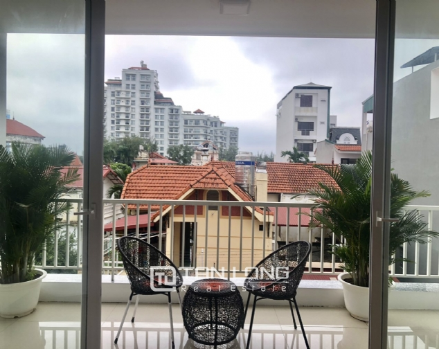 2 bedroom serviced apartment for lease in Dang Thai Mai street, Tay Ho district 3