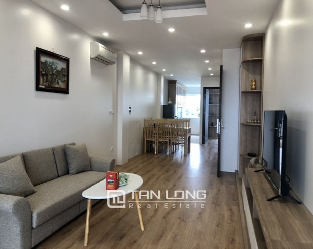 2 bedroom serviced apartment for lease in Dang Thai Mai street, Tay Ho district 7