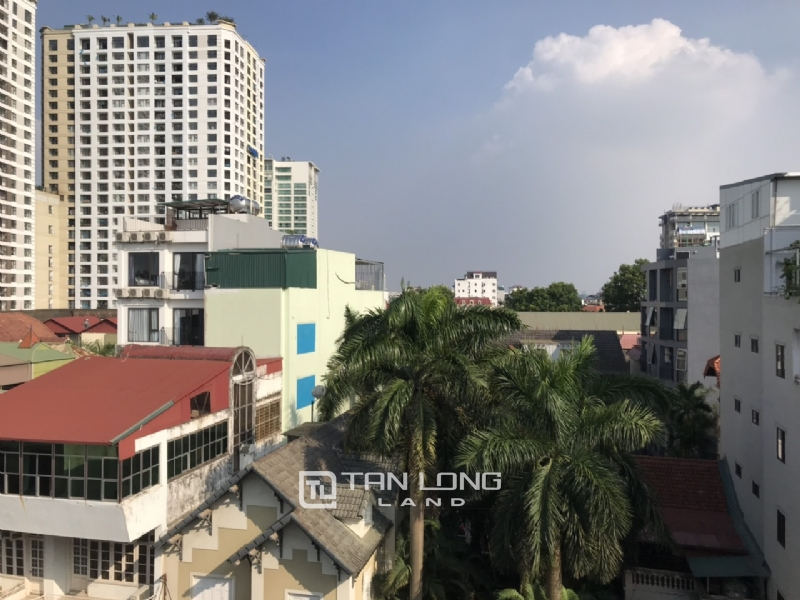 2 bedrooms apartment for rent in Tay Ho street 5