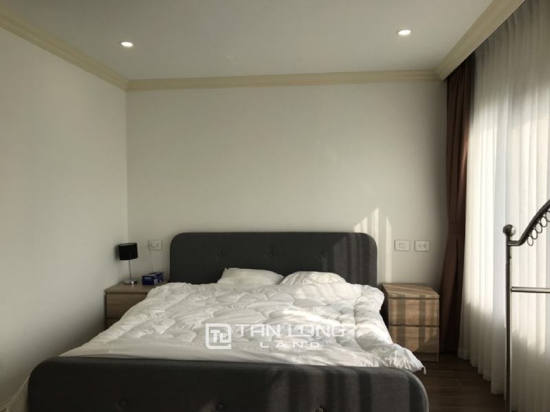 2 bedrooms apartment for rent in Tay Ho street 18