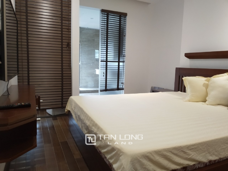 2 bedrooms apartment for rent in Xuan Dieu street, Tay ho district 2