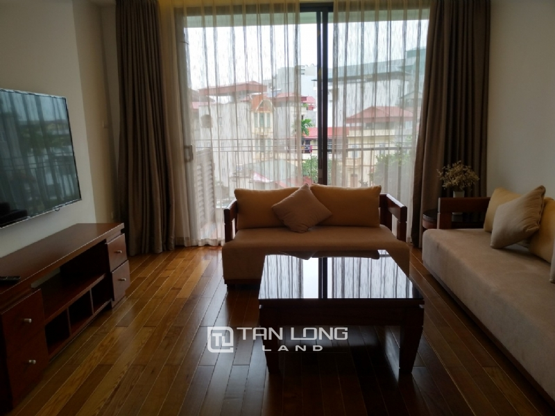 2 bedrooms apartment for rent in Xuan Dieu street, Tay ho district 7