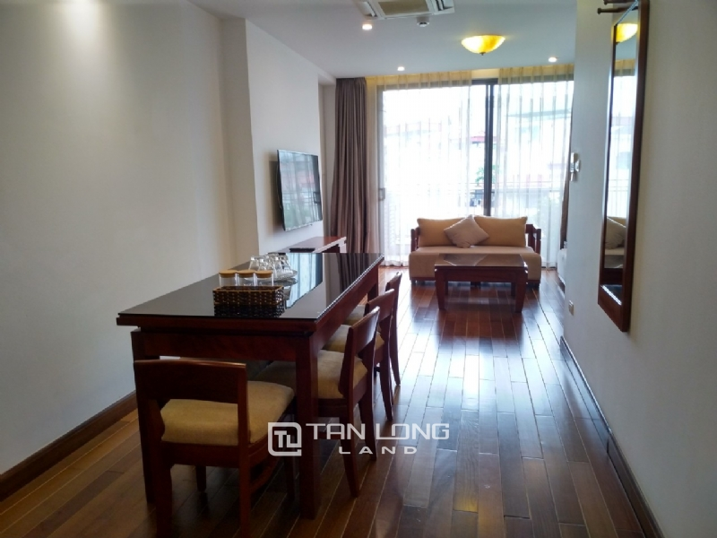2 bedrooms apartment for rent in Xuan Dieu street, Tay ho district 8