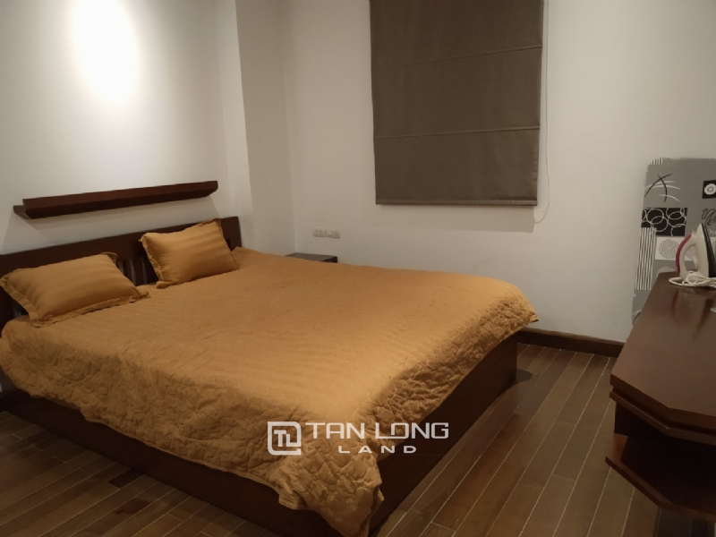 2 bedrooms apartment for rent in Xuan Dieu street, Tay ho district 9